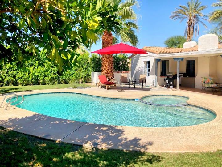 Historic 1937 Casita, gorgeous backyard & pool/spa