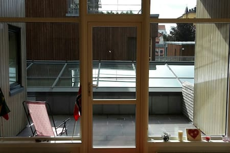 Cozy apartment, on top of the mall - Arendal - Pis