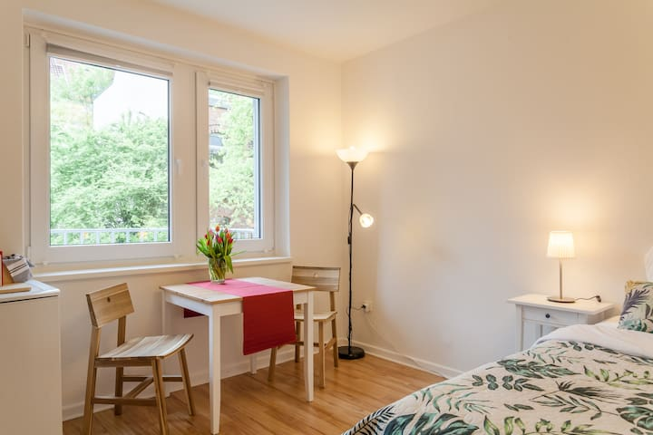 City centre Studio, Messe 10 min by car,30 by tram