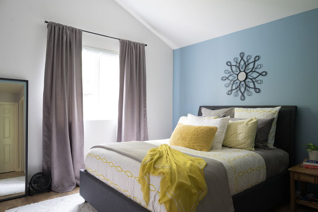 Enjoy a good night's sleep in the medium-firm queen size memory foam bed with cool gel technology and a down alternative filled mattress topper. Both down and down alternative pillows are provided, as well as cotton blankets for layering, and a cozy down comforter.
