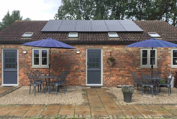 Mowbray Stable Cottages: Two Bedroom Cottage