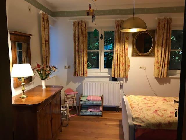 Lindenzimmer mit Einzelbett