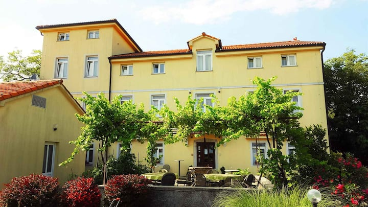 apt for 2+1 persons with pool in Viškovo R75580