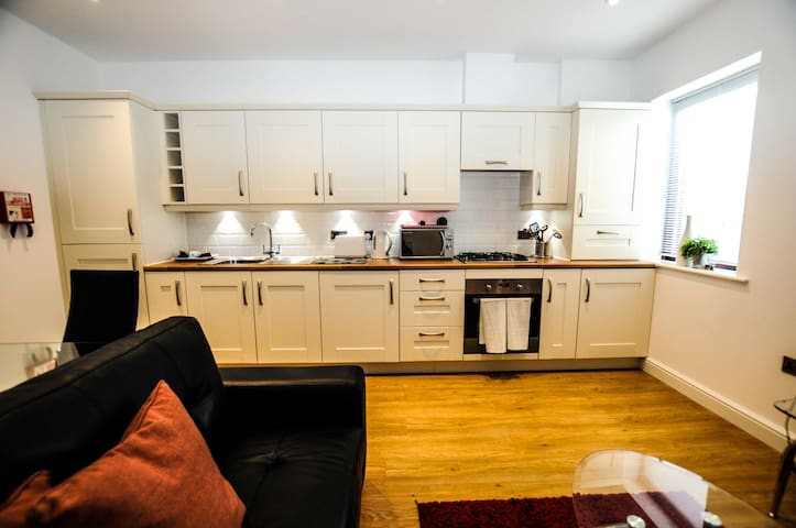 Midland Way 1 Bed · Midland Way 1 Bed · Midland Way 1 Bed · Midland Way 1 Bed · Midland Way 1 Bed · Midland Way 1 Bed · Your Stay Bristol Midland Way