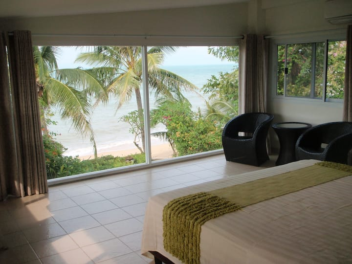 Shambala Beach Front Villa 4 bedrooms