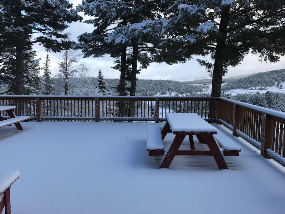 Fresh snow in November 2016 on the beautiful deck and views of Willow Peak