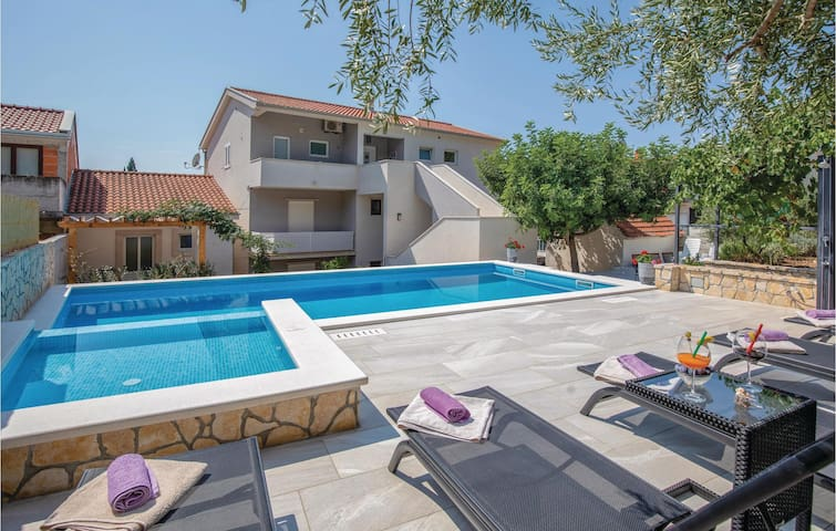 Holiday apartment with 2 bedrooms on 55m² in Blace