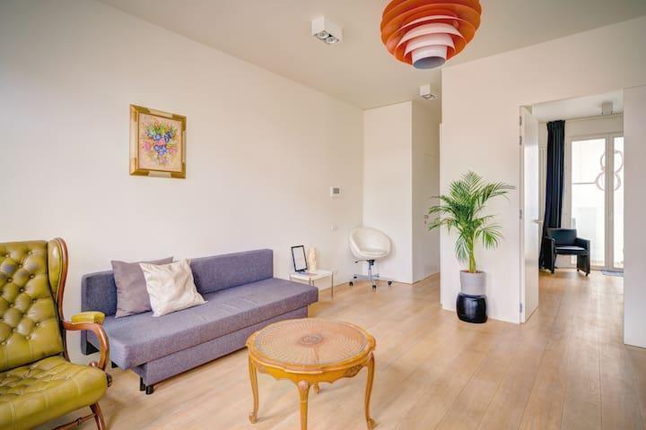 Green Penthouse Apartment. Heart of Antwerp.