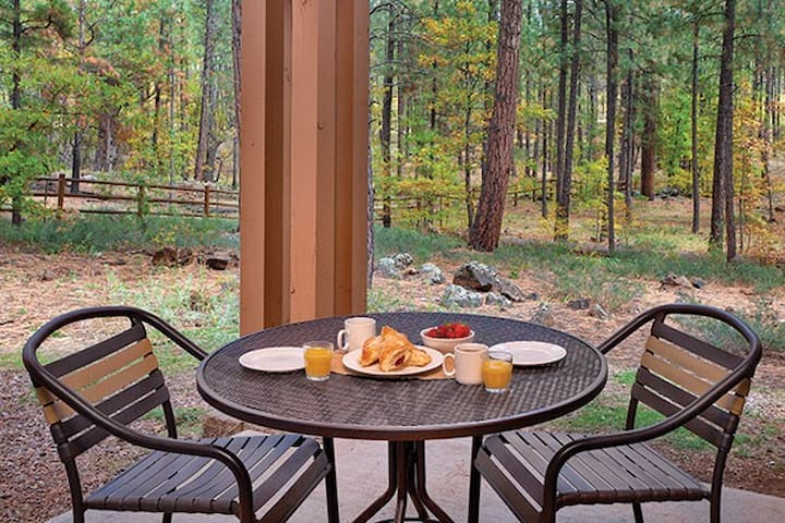 2 Bedroom Cozy Retreat in the White Mountains - Pinetop-Lakeside
