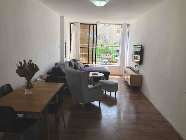 Amazing Apartment! Best location! 10 min from TLV!