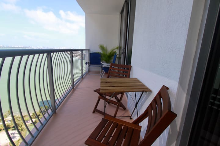 Bay View, One bedroom Apt With balcony and Parking