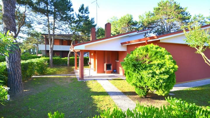 Villa indipendente con giardino privato e piscina