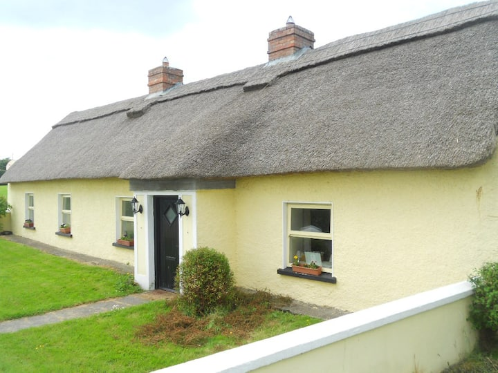 Traditional Irish Cottage with all modern comforts