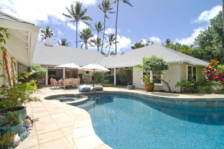 Kailua Beachside Cottage