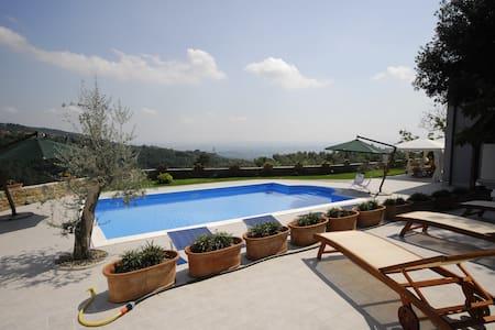 Casa Azzurra - View, Pool, Privacy - San Baronto