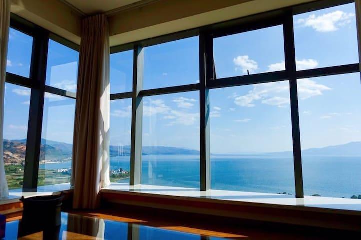 抚仙湖全湖景度假公寓(唯美湖景  一室两厅套房)