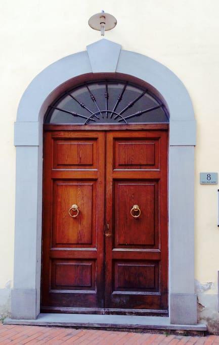 Entrance n.8