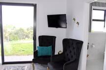Arohanui Rural Retreat BnB Tui Room