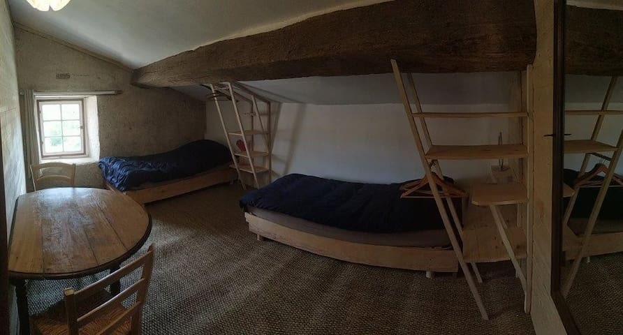 chambre 4 (2ème étage)