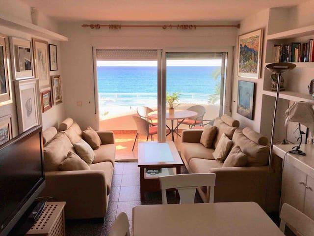 Lujoso apartamento en 1º linea Playa San Juan