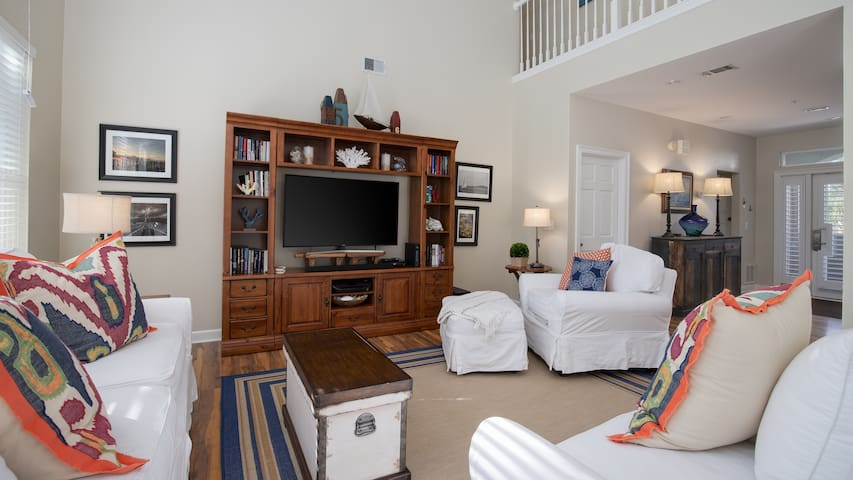 20% OFF Jan. 1 - March 6 2020! Resort Condo with Golf Cart!!