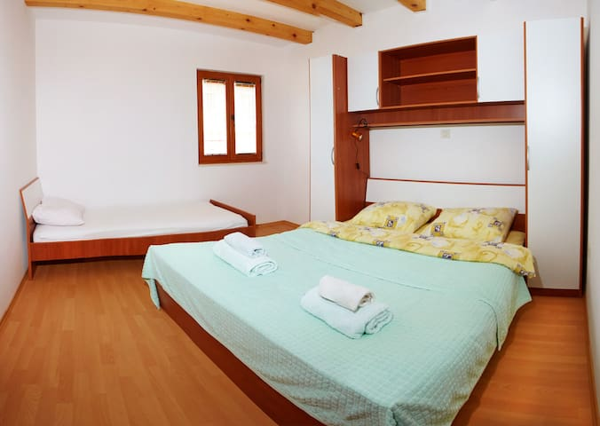 a three bed bedroom