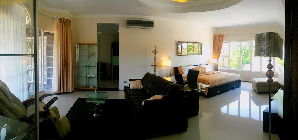 Suite Hamadryas (check the photos) - Ciudad Cariari/Bosques de doña Claudia/La asunción de Belén  - Villa
