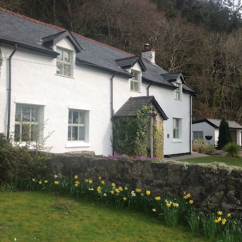 Lovely view of snowdonia mountains  - Llanrwst - Huis