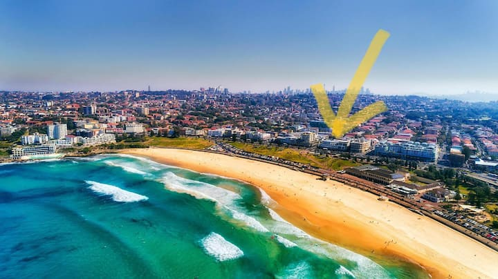 Room in the middle of Bondi Beach, 150m from water