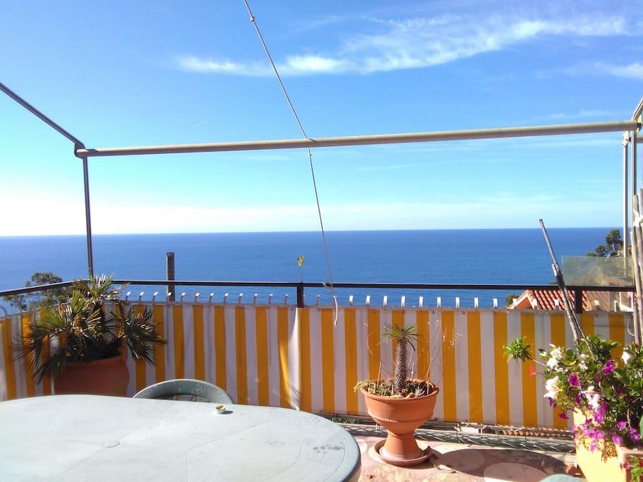 morning from the terrace/ il terrazzo la mattina