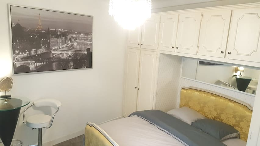Superb cozy room well located - metro - Paris