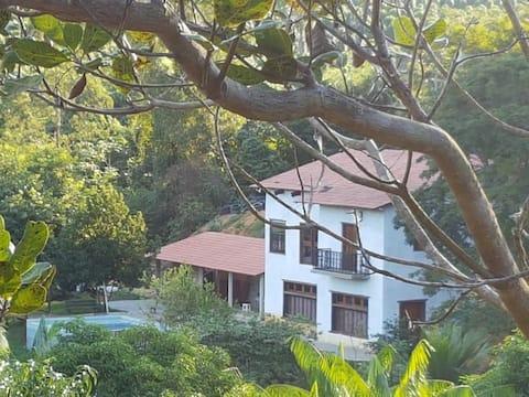 Casa de Campo, com área de Churrasco e Piscina
