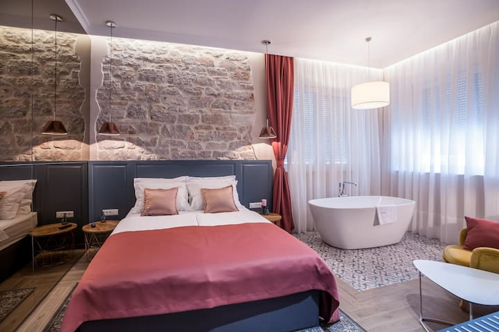ZADERA Rooms-Deluxe double room with bath ****