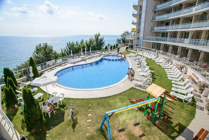 1-bedroom suite with a view of the sea - Byala - Apartemen
