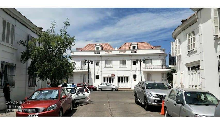 白色宫殿:合住房间1人 古老美丽的建筑,著名旅游景点(2)