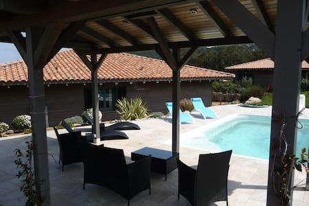 Belle villa 6/8 pers avec piscine - Sotta