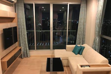 Corner unit in luxury Sukhumvit condo next to BTS