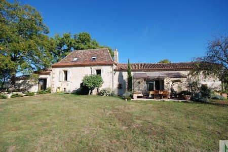 Périgourdine de charme - Faux - House
