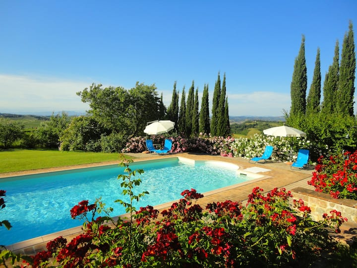 S. Gimignano charming & traditional - Apt. Garden