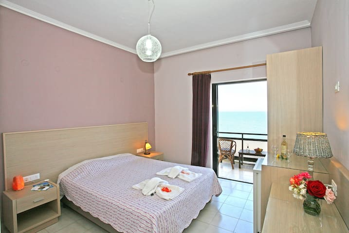 Beachfront Cretan Sea-Double - Korfalonas - Apartment