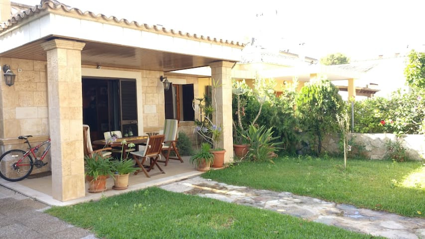 House in puerto de alcudia 1 minute from the beach