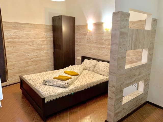 Studio Apartment with a double bed for 2 guests