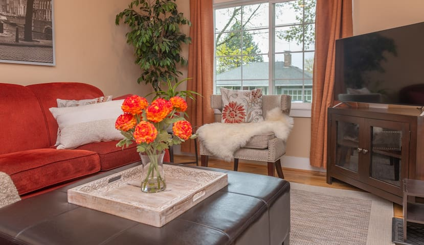 """Guest review quote - """"This home is wonderful. We traveled with another couple and it was the perfect home for the weekend. The attention to detail was very evident."""""""