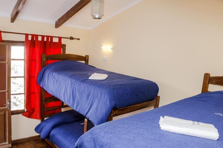 Hab Compartida 4camas/4Bed Dorm  HostelCasaBlanca
