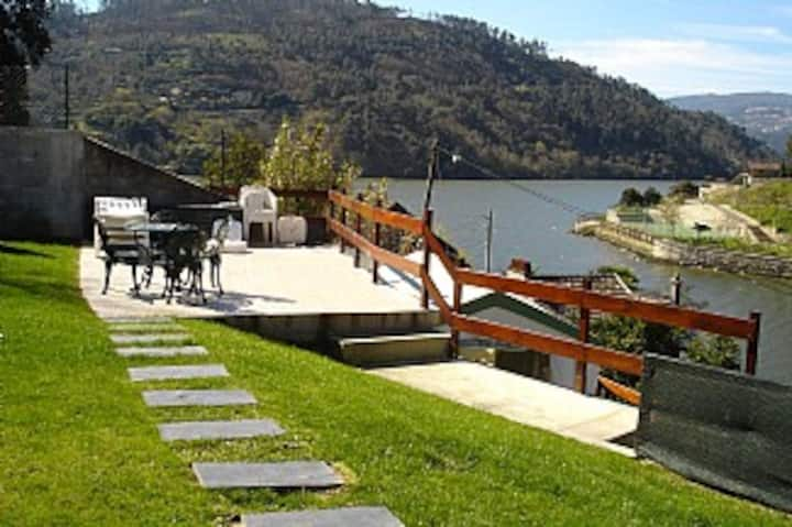 The Douro River at your feet ...
