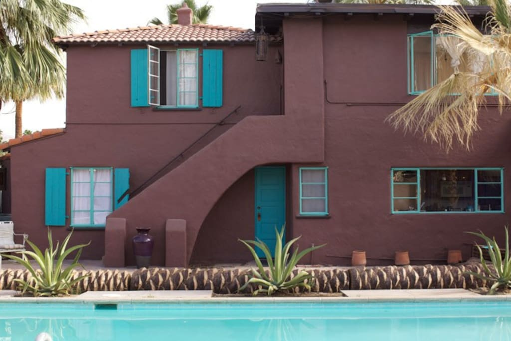 All four independent bedroom suites open onto the pool area / gardens