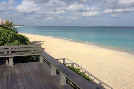 4BR Beachfront Home Paradise Island - Paradise Island