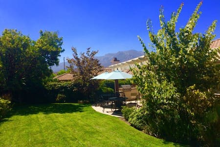 Charming Mountainside Home! - Thousand Oaks