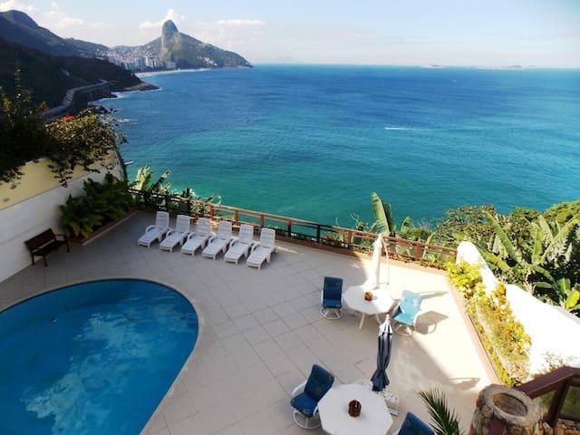 OLYMPICS OFFER! OCEANFRONT 6 SUITES, 16 GUESTS ! - Río de Janeiro - Casa