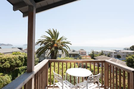 Perched Sausalito Paradise! VIEWS! - 索薩利托